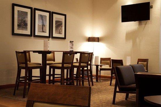Holiday Inn Newcastle - Gosforth Park: Holiday Inn Newcastle Gosforth Park Bar Lounge