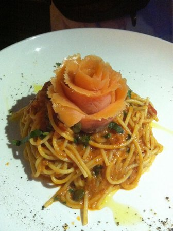 Gusto Food & Wine: Smoked Salmon spaghetti