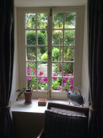 Number 77 : Outlook from bedroom