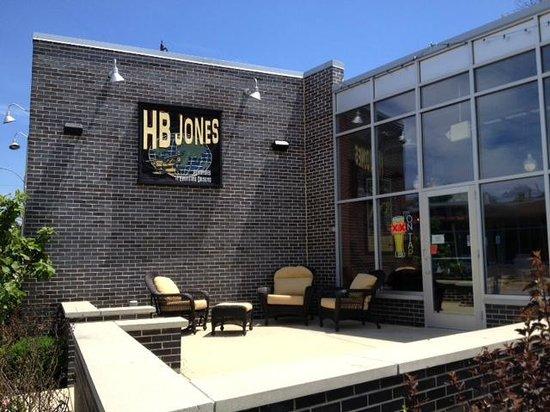 HB Jones: Front of Restaurant