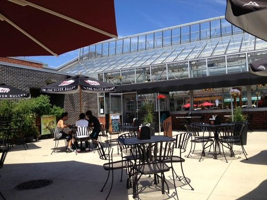 The 10 Best Restaurants With Outdoor Seating In Elmhurst