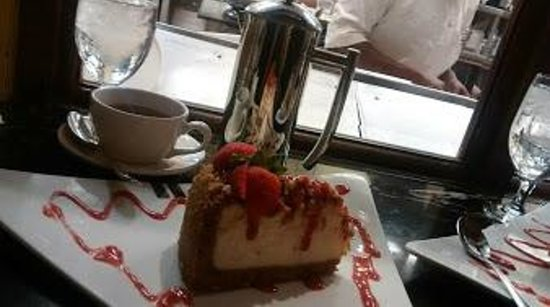 Palace Cafe: Decadent Cheesecake