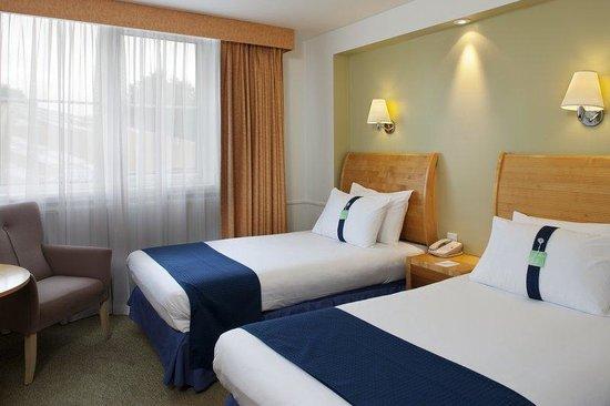 Holiday Inn Gloucester - Cheltenham: Standard twin bedded guest room