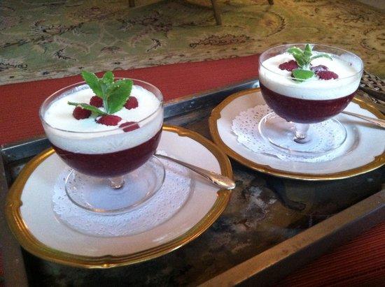 Melange Bed and Breakfast: Rote Grütze!! Best dessert ever!!