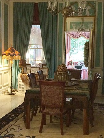 Melange Bed and Breakfast : Dining room