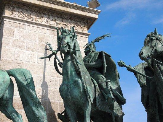 Place des Héros : Particolare della Piazza degli Eroi