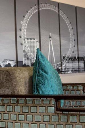 Holiday Inn Express London Royal Docks - Docklands: Hotel Lobby