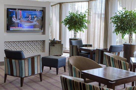 Holiday Inn Express London Royal Docks - Docklands: Guest Lounge