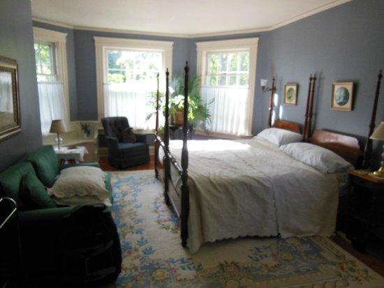 Overlook Bed & Breakfast: Bedroom