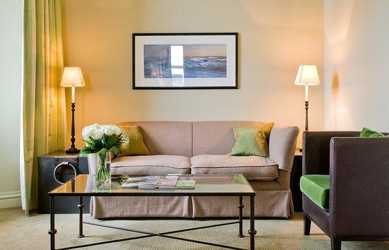 The Balmoral Hotel: Junior Suite - Living Area