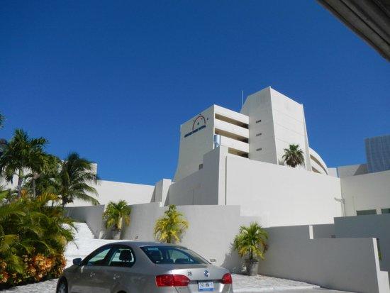 Grand Park Royal Cancun Caribe: The resort
