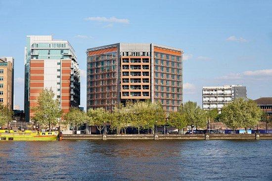 Park Plaza Riverbank London: Exterior