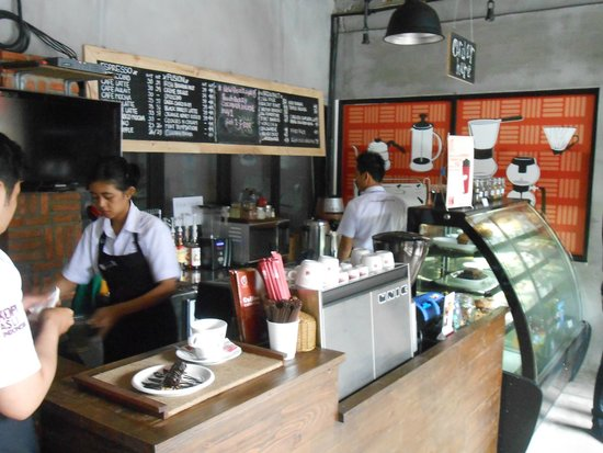 Anomali Coffee Setiabudi : Inside Anomali