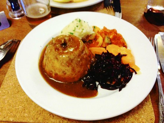 The Queens Head: Steak and Kidney Pie (savory)