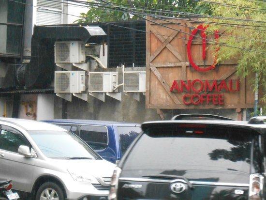 Anomali Coffee Setiabudi : From the outside