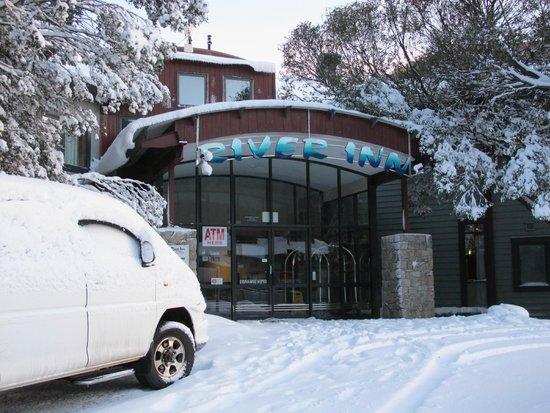 River Inn Resort: Entance to River Inn