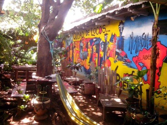 Hostel El Albergue: Patio