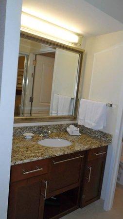Residence Inn Arlington Capital View: Vanity table