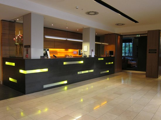 Apex City of London Hotel: all staff are very nice !!!