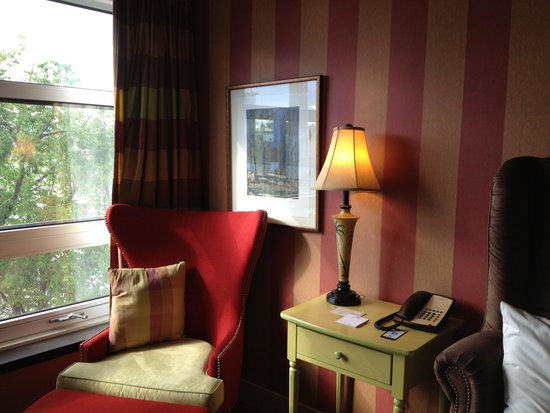 Le Champlain Hotel: Cozy spot to read or dream