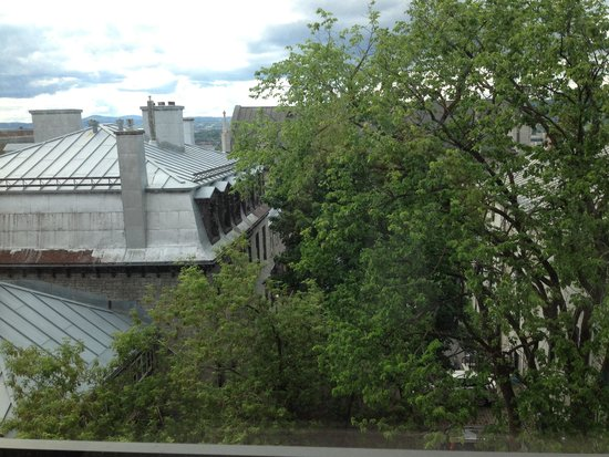 Le Champlain Hotel: View from fourth-floor window