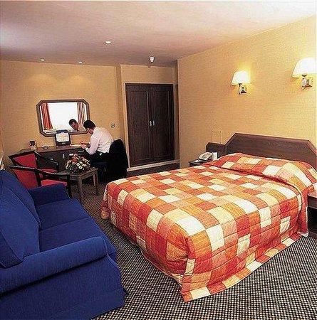 Menzies Leofric Hotel
