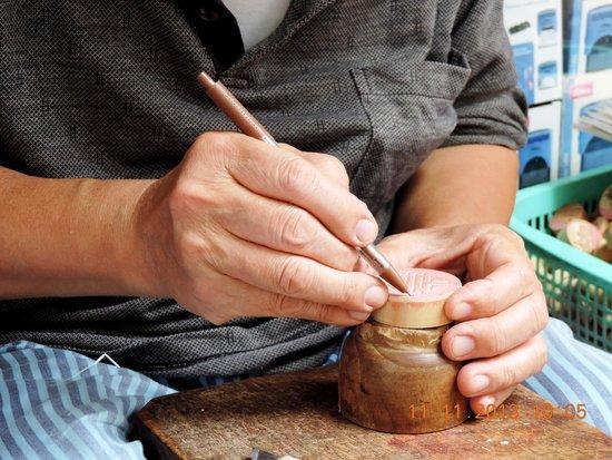 Hang Quat Street (Street of Fans): Hang Quat- Custom made hand crafted wooden seals