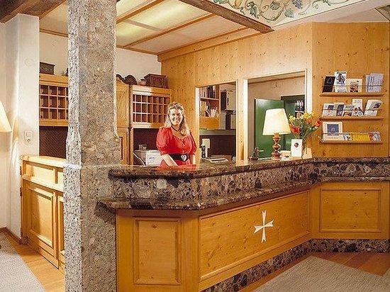 Hotel Weißes Kreuz: Lobby View