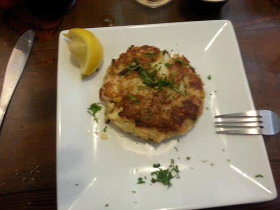 New England Fish Market & Restaurant: great crab cake