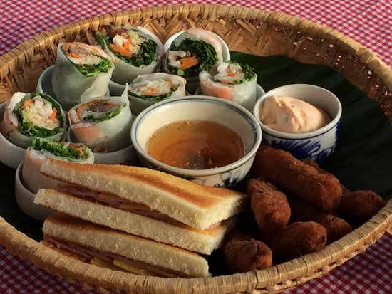 Anantara Hoi An Resort: Food on the cruise