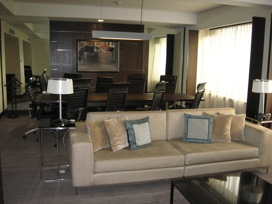 Royal Plaza on Scotts: Suite 13th floor