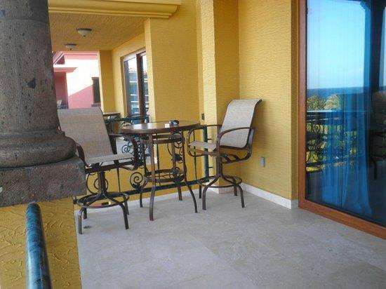 Parrot Tree Beach Resort: Balcony