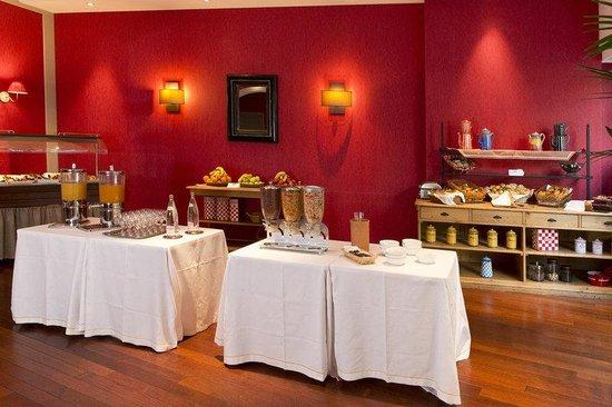 Holiday Inn Nice: Breakfast Bar