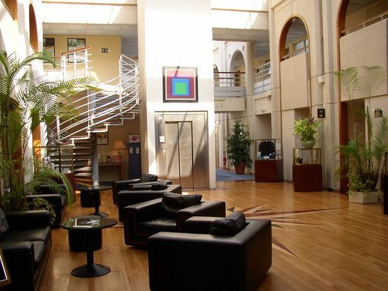 Holiday Inn Le Touquet : Lobby Lounge with Wifi Access