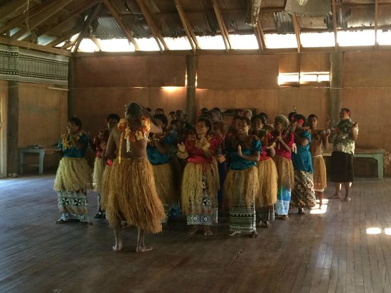 Blue Lagoon Beach Resort: Nacula village welcomes us
