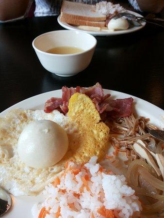 King Parkview Hotel: Buffet breakfast restaurant