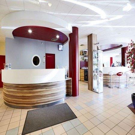 Kyriad Grenoble Nord - Le Fontanil : Reception