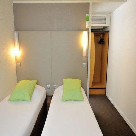 Campanile Marseille - Saint Antoine : Twin room