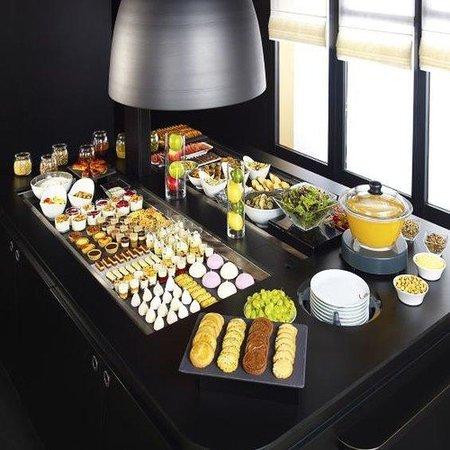 Campanile Paris Est - Porte De Bagnolet : Buffet restaurant