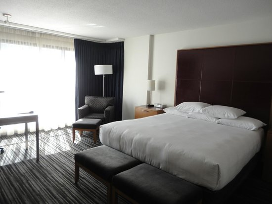 Hyatt Regency Vancouver: King Suite