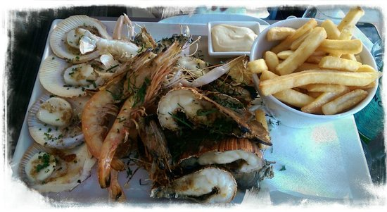 Garfish: The Seafood platter (With Chips)