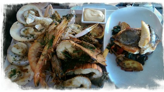 Garfish: Seafood Platter with additional Crispy skinned Barrumundi