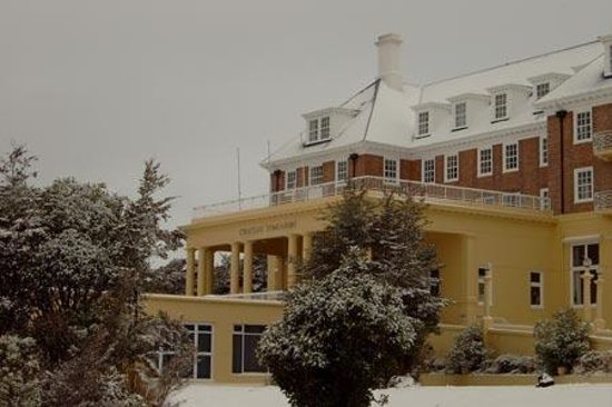 Chateau Tongariro Hotel : Chateau about to snow again