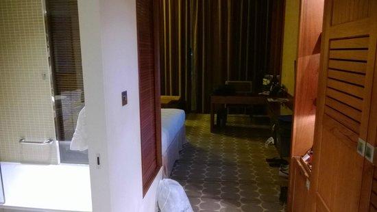 Yas Island Rotana: room