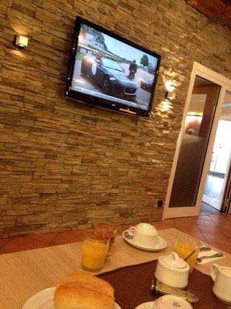 Hotel Kaiserhof: Breakfast room