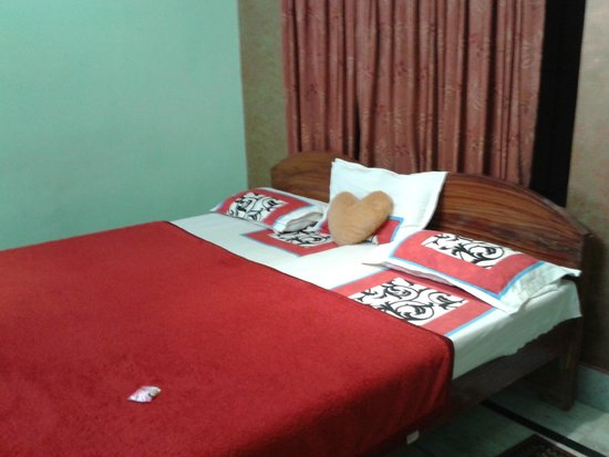 Hotel Rashmi : Our room