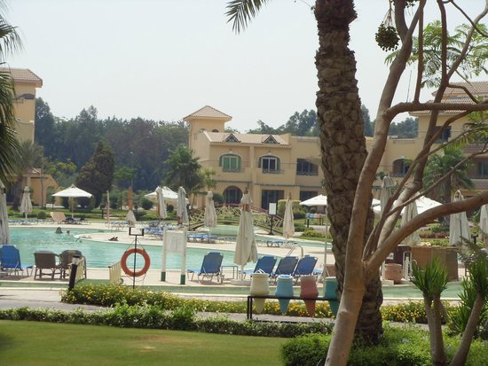 Movenpick Hotel & Casino Cairo-Media City: pool beach area