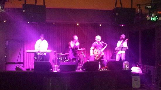 Humphreys Half Moon Inn : Live music at night