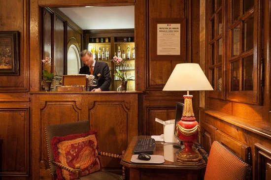 Hôtel Amarante Beau Manoir : Bar at Hotel Amarante Beau Manoir