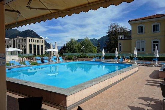 Hotel Delfino Lugano : Blick von der Bar nach draussen